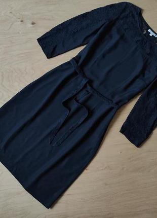 Красивое черное платье vanguard