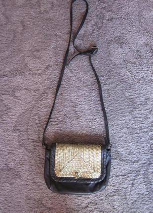 Маленькая кожаная сумочка  mango
