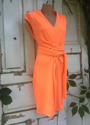 Стильное платье оригинального фасона mc couture