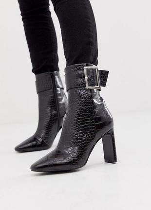 Черные высокие ботильоны ботинки с пряжками asos design entourage