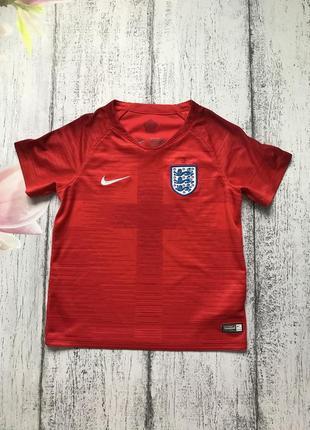 Крутая футболка для спорта nike 4-5лет