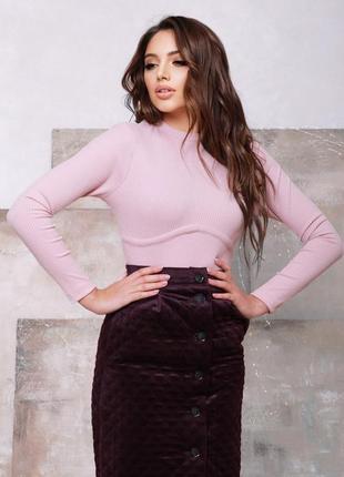 Розовый трикотажный свитер с фактурной вставкой