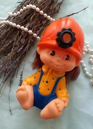 Кукла шахтер в каске резиновая донецкой фабрики игрушек винтаж ссср советская