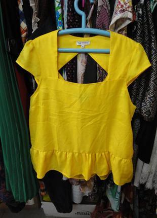 Яркая необычная блуза naf naf