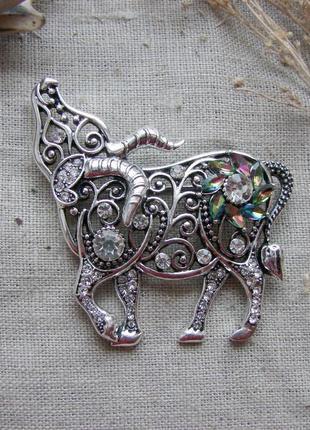 Брошь в виде быка брошка символ года 2021. цвет серебро