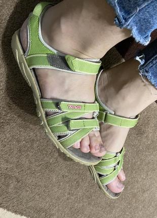 Спортивные сандали teva