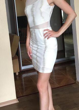 Очаровательное нарядное платье waggon