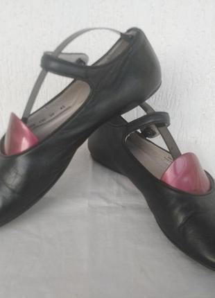 Брендовие,кожанние туфли,балетки camper р.41.5-42