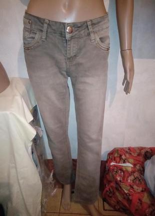 Классные серые джинсы 29 р.