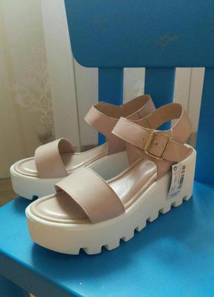 Босоножки сандали на платформе