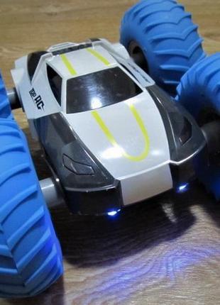Машинка на радиоуправлении перевертыш yinrun speed cyclone monster с аккумулятором
