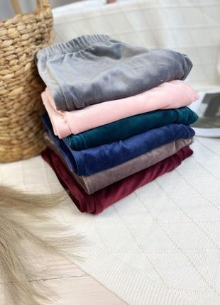 Плюшевая изумрудная пижама тройка, футболка, шорты и шианы, комплект для дома5 фото
