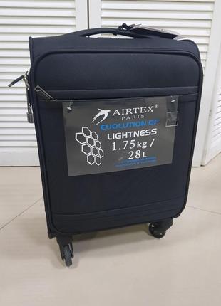 Очень легкий чемодан от airtex