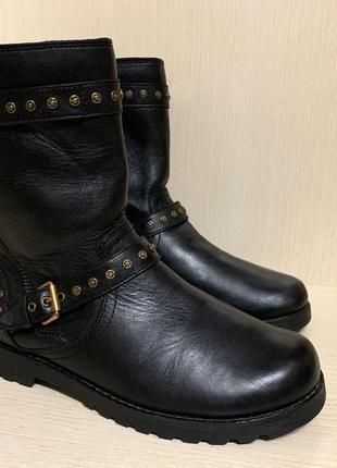 Ugg, оригинал теплые кожаные  зимние ботиночки