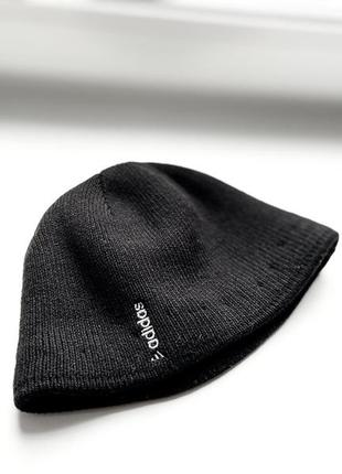 Чёрная шапка adidas, унисекс