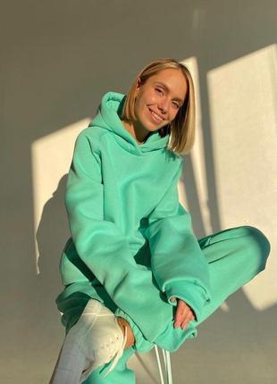 Теплый спортивный костюм женский модный на зиму теплый на флисе тренд