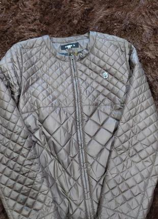 Красивая куртка miss x
