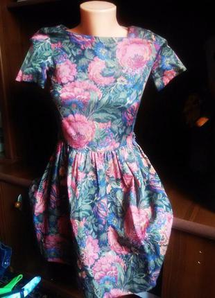 Красивейшее платье в цветочный принт