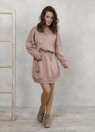 Светло-коричневое утепленное флисом платье-толстовка