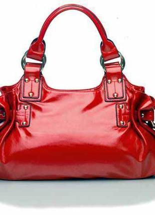 Cтильная красная лаковая сумка от орифлейм oriflame2 фото