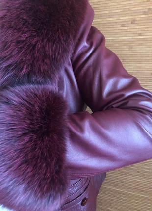 Кожаная курточка с натуральным мехом, на подкладке