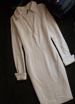 Платье с воротничком запонками строгое классика миди айвори слоновая кость