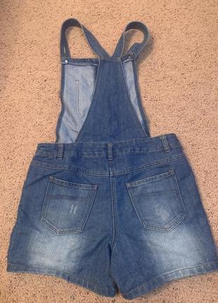 Летний джинсовый комбинезон с шортами