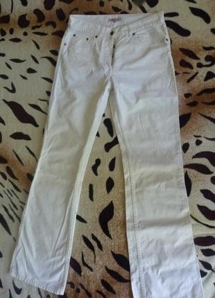 Модные осень тренд 2021 белые джинсы s'oliver оригинал