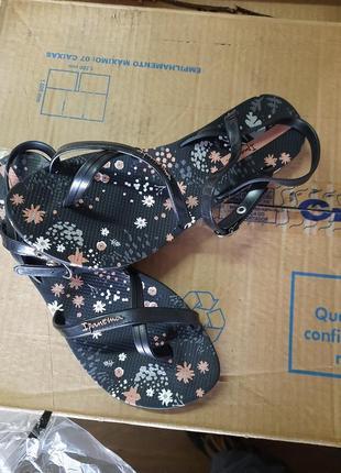 Женские сандалии ipanema