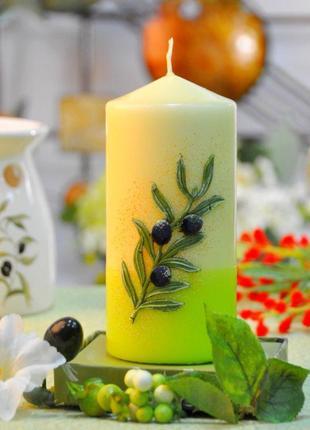 Свеча olive