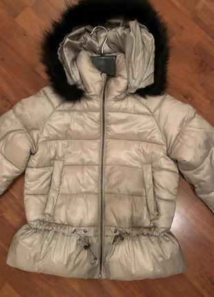 Тёплая зимняя куртка zara красивого пудромант цвета