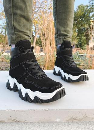 Женские ботинки из натуральной замши, чёрные