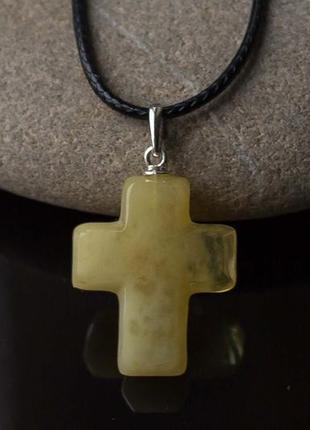 Подвеска крестик из янтаря