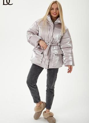 Теплая куртка - базовая вещь зимнего гардероба.