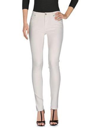 Идеальные скини diesel, светлые джинсы