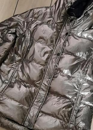 Обалденная курточка от  kedavros серебро цвет