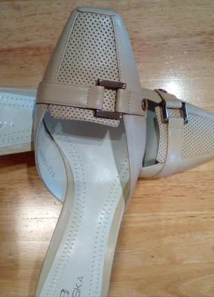 Шикарные новые кожаные босоножки / шлепанцы braska, размер 38 - 38,5