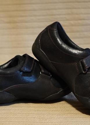 Закрытые комбинированные кожаные туфельки clarks artisan англия  3 d, 4 1/2 d р.