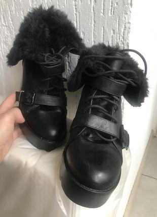Ботинки на каблуке размер 40