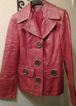 Суперский красный лаковый пиджак из натуральной кожи! !