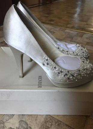 Нереально красивые свадебные туфли 24 см