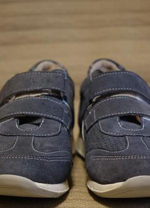 Изящные замшевые кроссовки серо-голубого цвета bata швейцария 36 р.