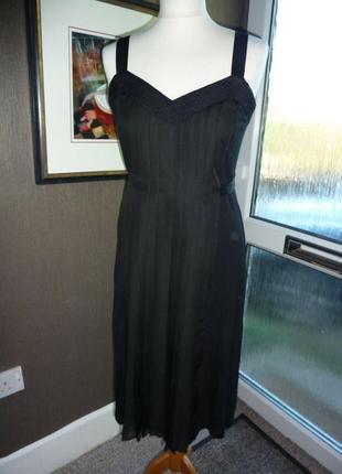 Комбинированное базовое платье плиссе миди от monsoon новое