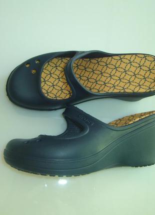 Кроксы crocs , оригинал, р 6 w , стелька 23 см , на наш 36-37 р состояние новіх