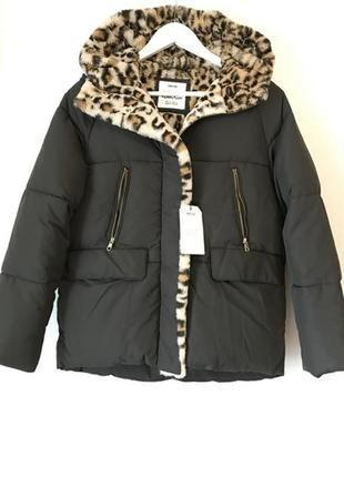 Стильная курточка с отделкой из леопардового меха от zara