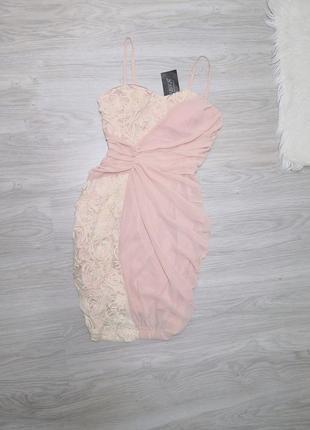 Шикарное нюдовое платье в кремовые розы