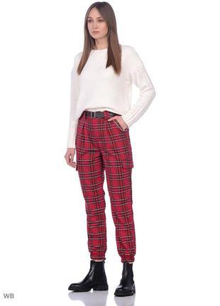 Стильные брюки jennyfer