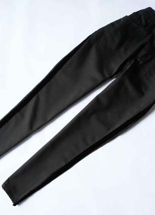 Новые зауженные брюки с вставками на боку f&f