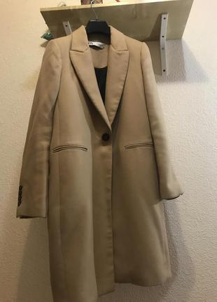 Актуальное пальто zara