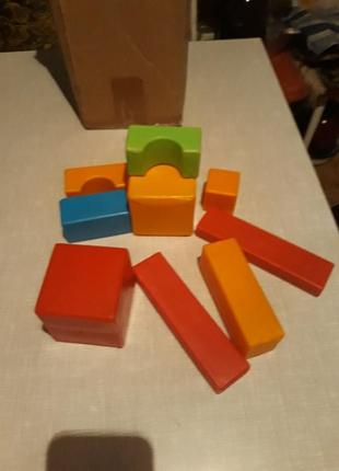 Кубики плассмасовые